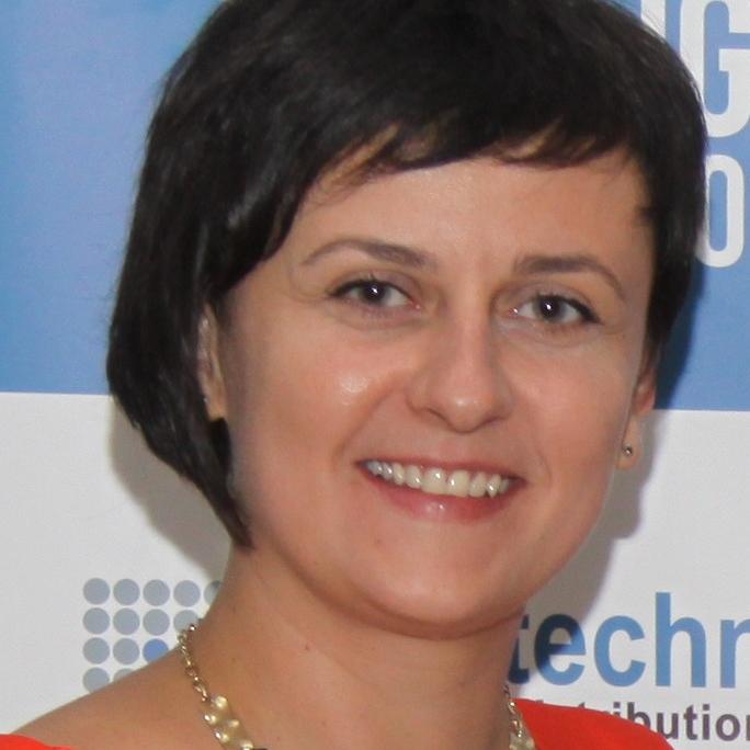 Елена Кашуба, Headtechnology sq