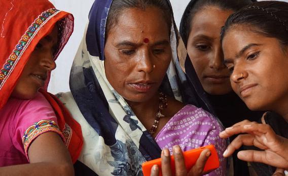 Власти Индии требуют от WhatsApp возможности читать переписку пользователей