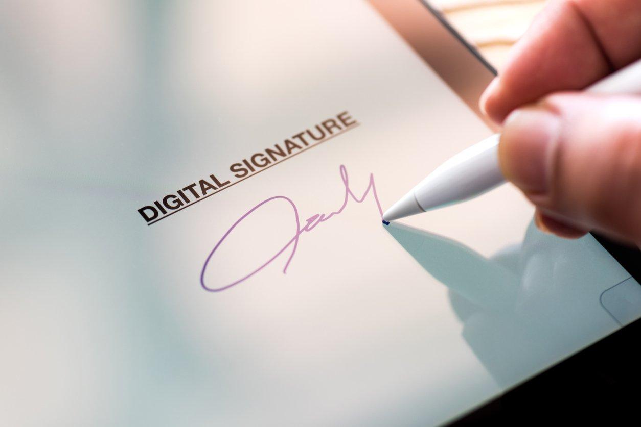 Депутаты вводят госмонополию на выдачу электронной подписи