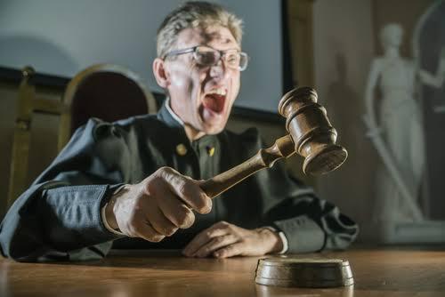 Совет судей рассматривает меры, которые должны защитить их отжурналистов