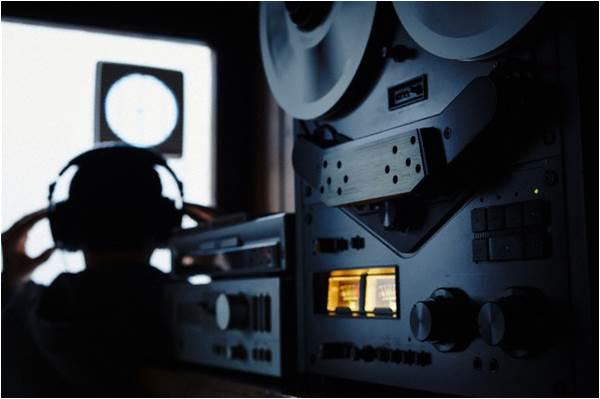Сервисы общения могут заставить предоставлять британским спецслужбам канал прослушки