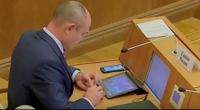 Закон о суверенном Рунете прошел окончательное чтение в Госдуме