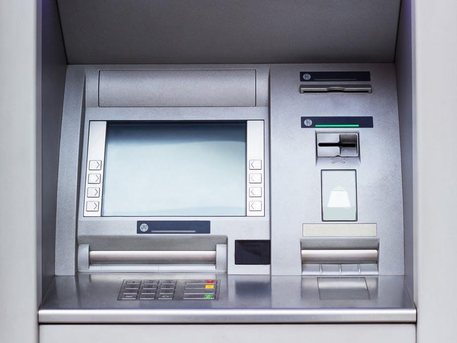 Жителя Белгорода арестовали за взлом банкоматов