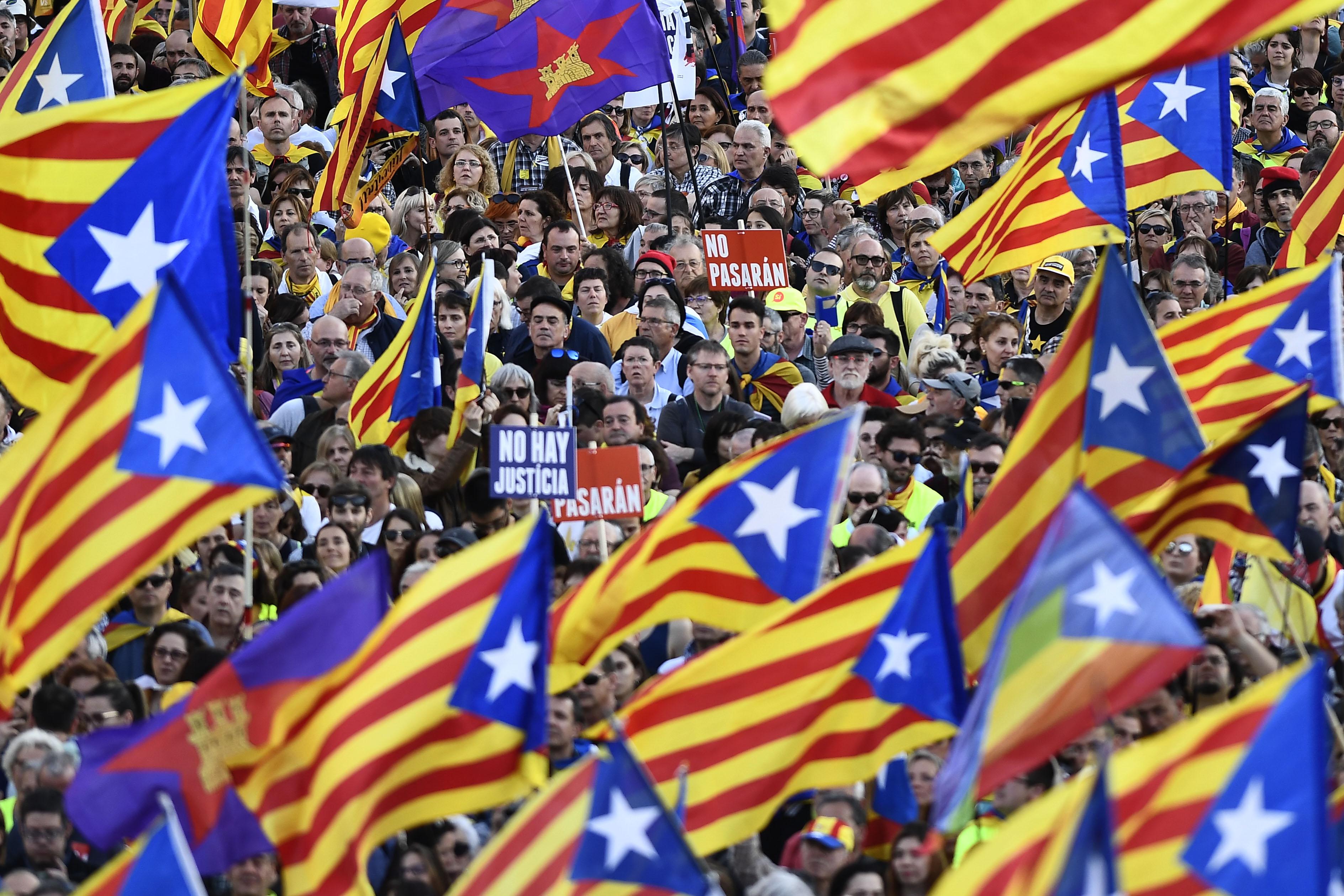 Телефон спикера парламента Каталонии был взломан через WhatsApp