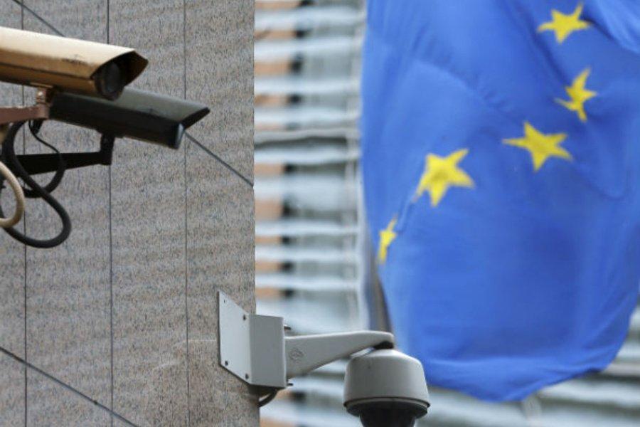 Европарламент утвердил массовый надзор за частными сообщениями