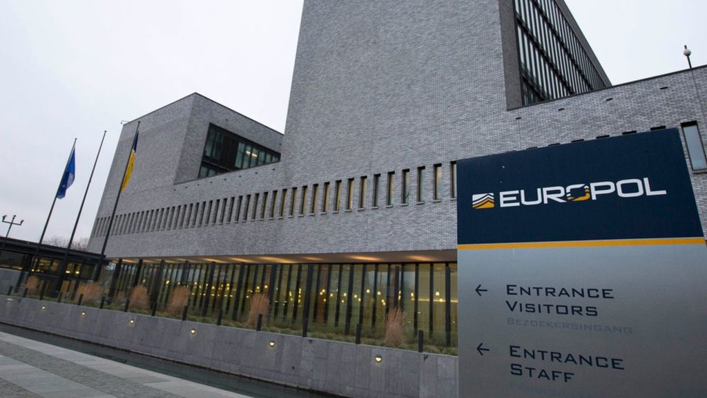 Европол пресек деятельность хакеров, укравших миллионы евро с помощью SIM-свопинга