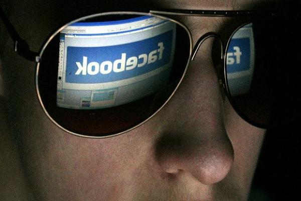 Суд признал законным арест человека, которого отметили на чужой публикации в Facebook