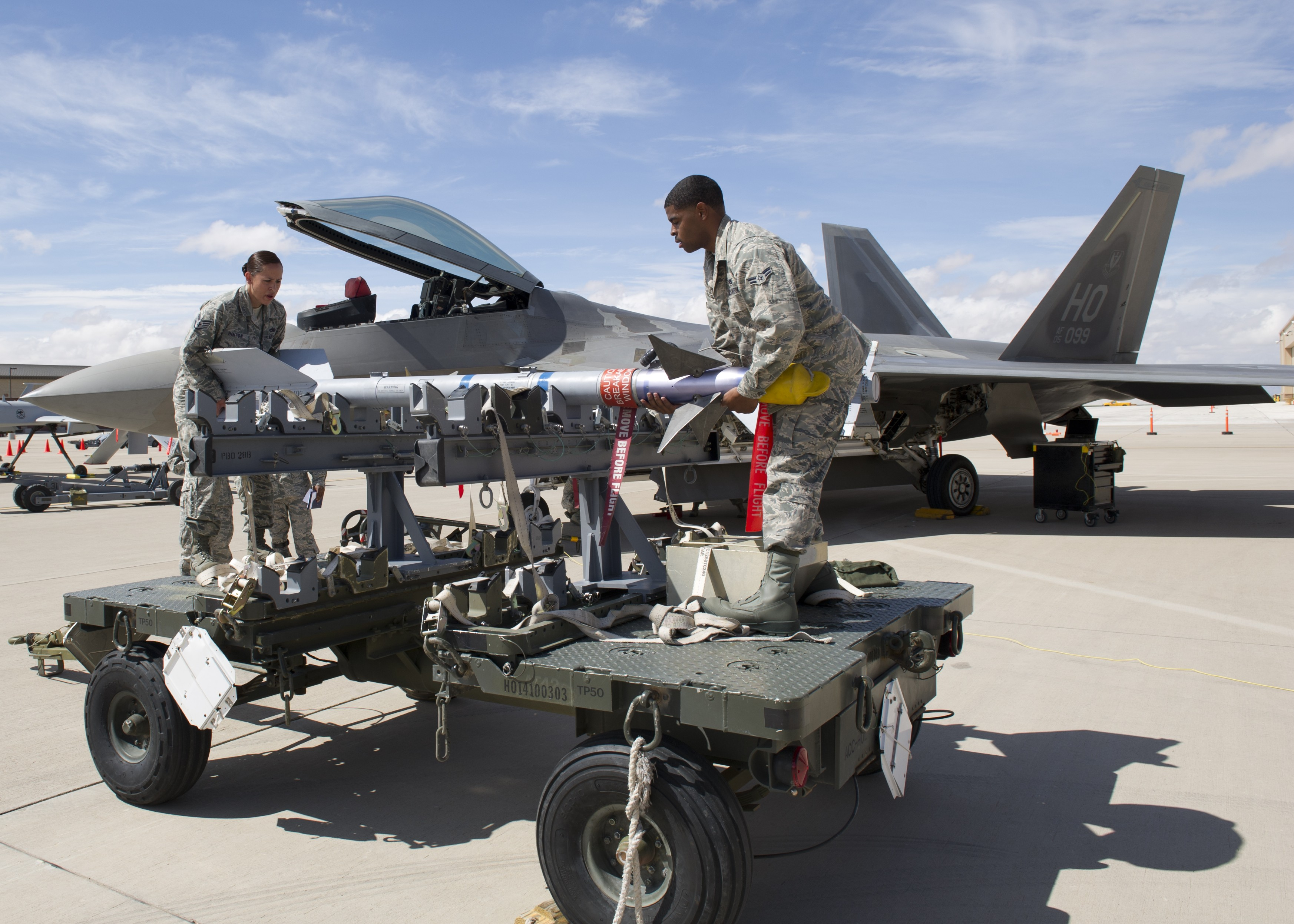 Операторы Babyk похитили более 700 ГБ у военного поставщика США