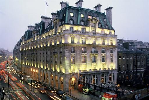 Мошенники выведали данные постояльцев элитного отеля Ritz