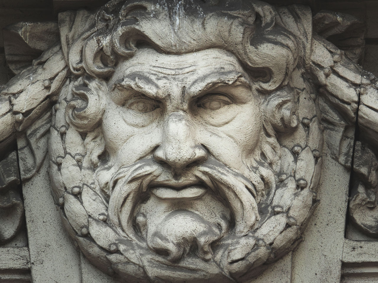 Операторы Zeus Sphinx возобновили активность