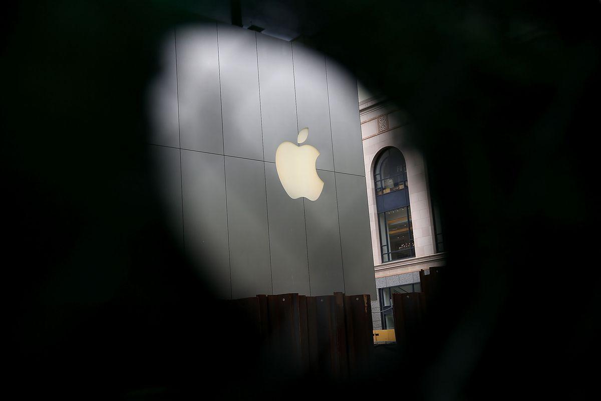 Apple отложила запуск системы проверки фотографий