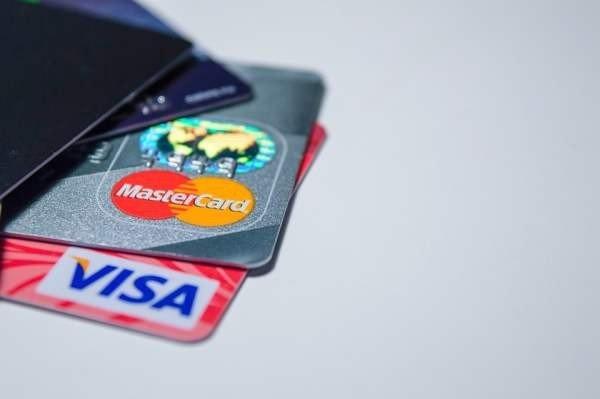 Visa разрешит покупки без ПИН-кода на сумму до трех тысяч рублей
