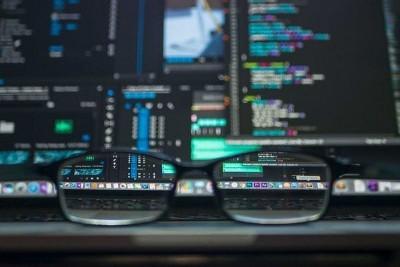 Опрос: главной причиной инцидентов кибербезопасности являются ошибки сотрудников