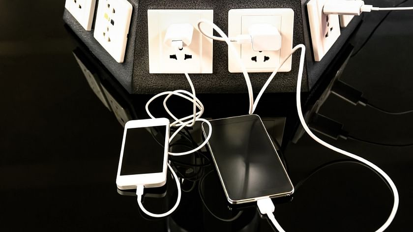 Group-IB: заряжать смартфоны в общественных местах небезопасно