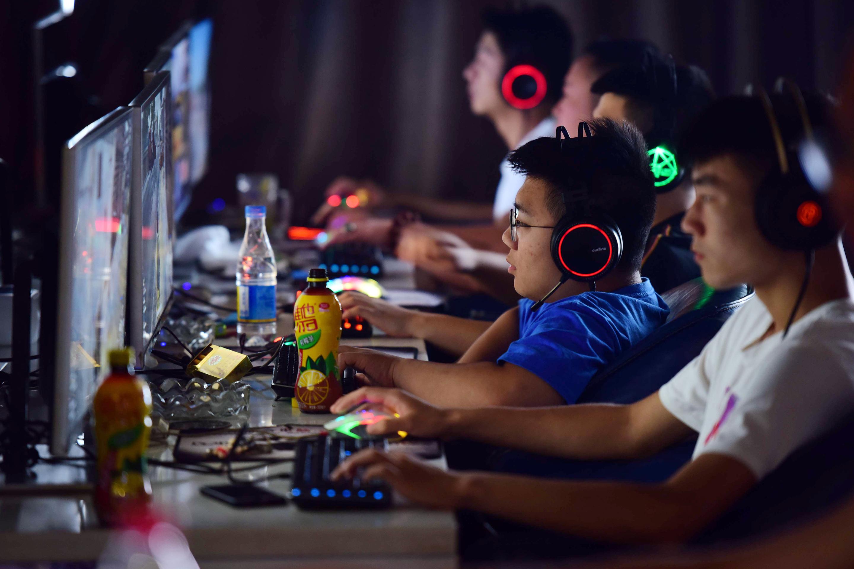 Китайским детям запретили играть в онлайн-игры больше 3 часов в неделю