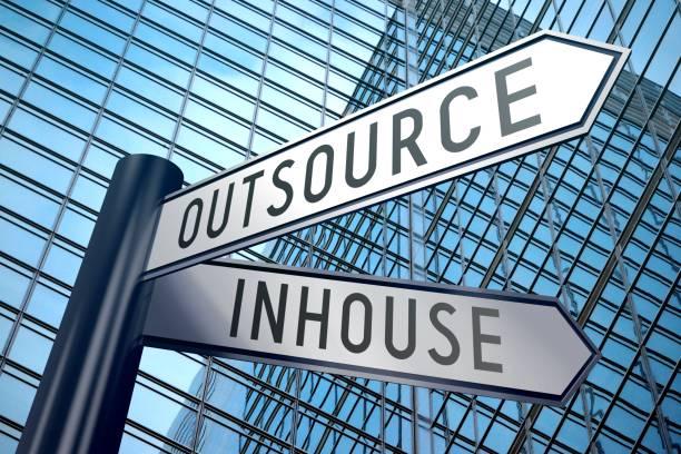 Выбор между Аутсорсинг и Inhouse - круглый стол в жИБ #5, 2019